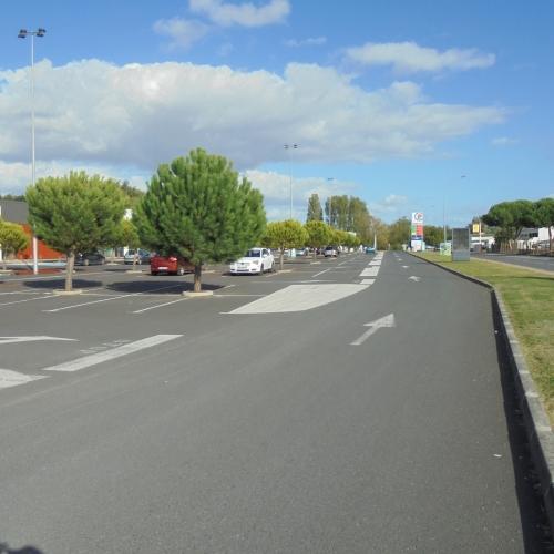 centre commercial de Ribérac (Enrobé -Thiviers 2017)